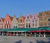 Brügge Grote Markt mit farbenfrohen Häusern