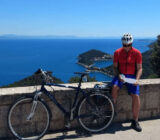 Radfahrer macht Pause