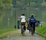 Radfahrer am Fähranleger
