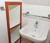 Elizabeth cabin bathroom
