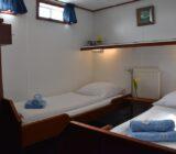 Flora twin cabin