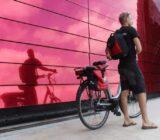 Radfahrer am Weinhaus