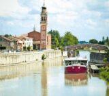 Italy Venice Mantua road to Venice