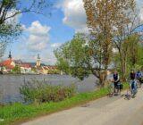Mainradweg_mit_Blick_auf_Kitzingen