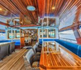 Princeza Diana covered afterdeck