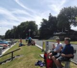 Radfahrer bei der Mittagspause in Beernham