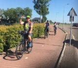 Fahrradfahrer genießen die Tour