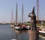 Stavoren_Statue der Vrouwtje van Stavoren